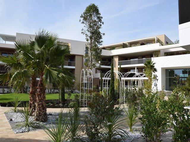 Deco jardin r sidence artemisia decoration jardin montpellier for Jardin residence