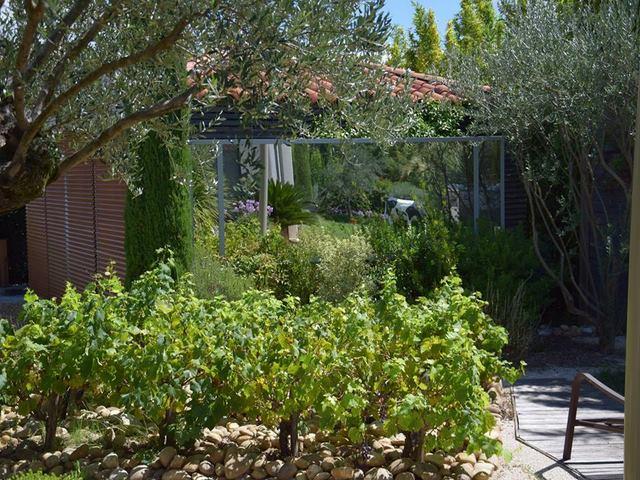 Paysagiste jardin privatif orphis dans l 39 herault et le gard for Deco jardin paysagiste