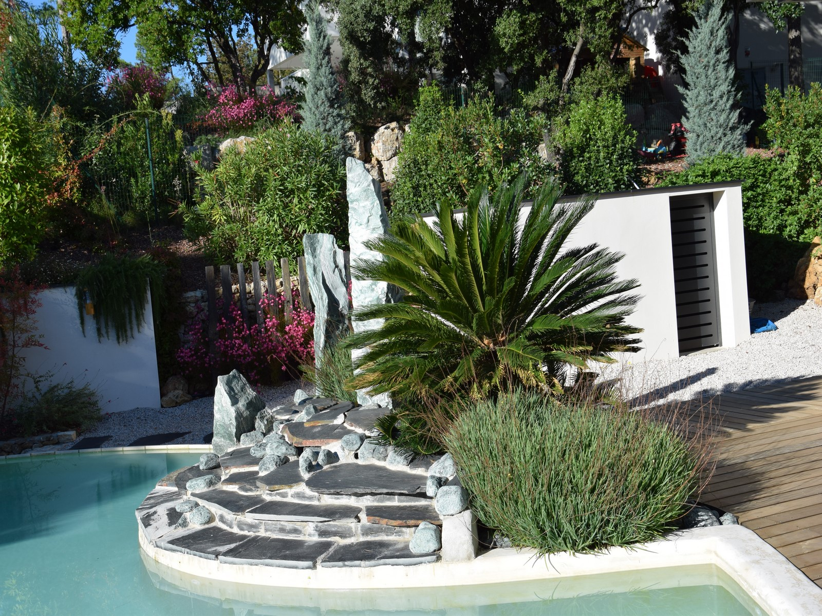 Am nagement jardin montpellier herault for Amenagement deco jardin