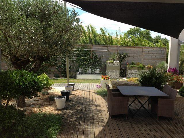 jardin m diterran en amenagement jardin m diterran en. Black Bedroom Furniture Sets. Home Design Ideas