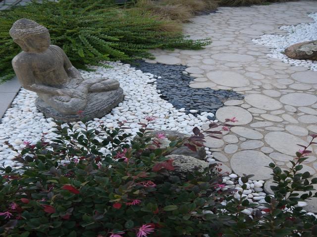 Jardin japonais bordure jardin decoration jardin japonais for Paysagiste jardin japonais