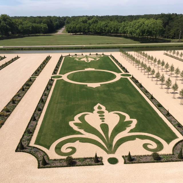 Orphis visite les jardins « à la française… »