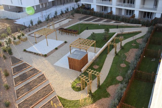 Aménagement de jardins partagés au cœur d'une résidence – Ilozen d'Urbis