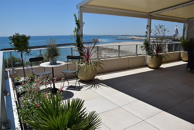 Aménagement d\'un toit terrasse aménagé à Sète en surplomb de ...